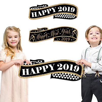 Happy New Year Signs & Photo Props - Happy 2019 Holiday Family Photo ...