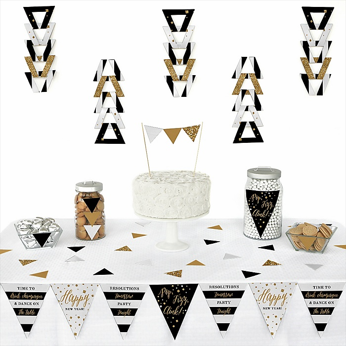 New Year's Eve - Gold -  Triangle New Year's Eve Party Decoration Kit - 72 Piece