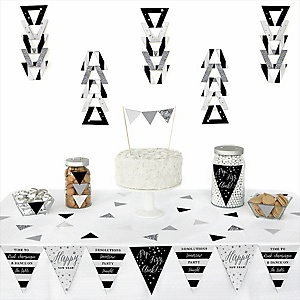 New Year's Eve - Silver -  Triangle New Year's Eve Party Decoration Kit - 72 Piece